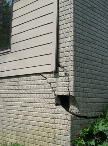 severe cracking of structural walls in Elizabethtown