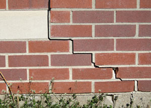 a foundation wall crack on a Bardstown home.
